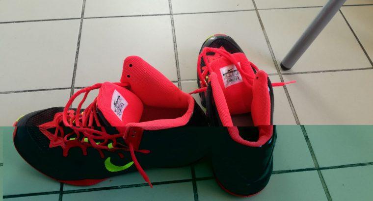 Chaussure basket NIKE T47.5