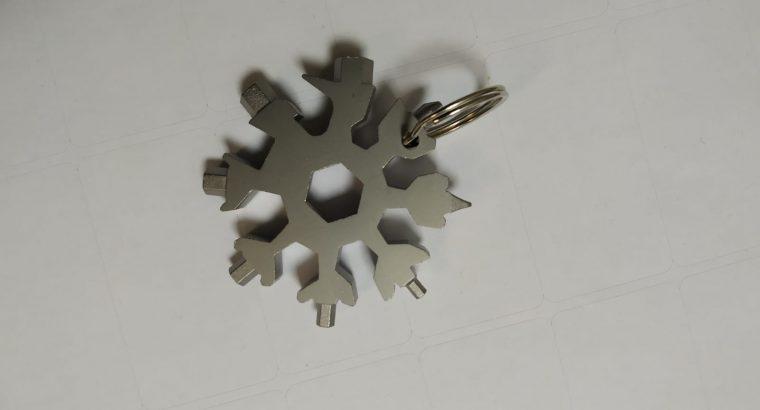 Porte clé multifonction 18en1