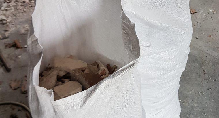 gravats (plâtre, parpaing etc.) en sacs