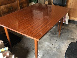 Table salle a manger vintage